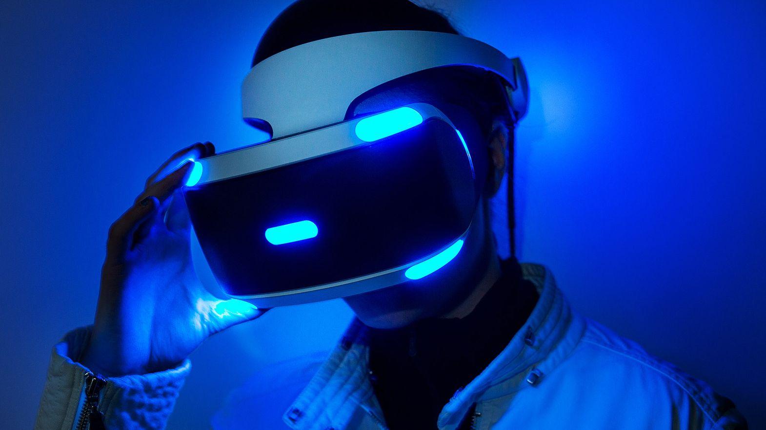 کنسول پلیاستیشن VR؛ فناوری آینده صنعت بازی