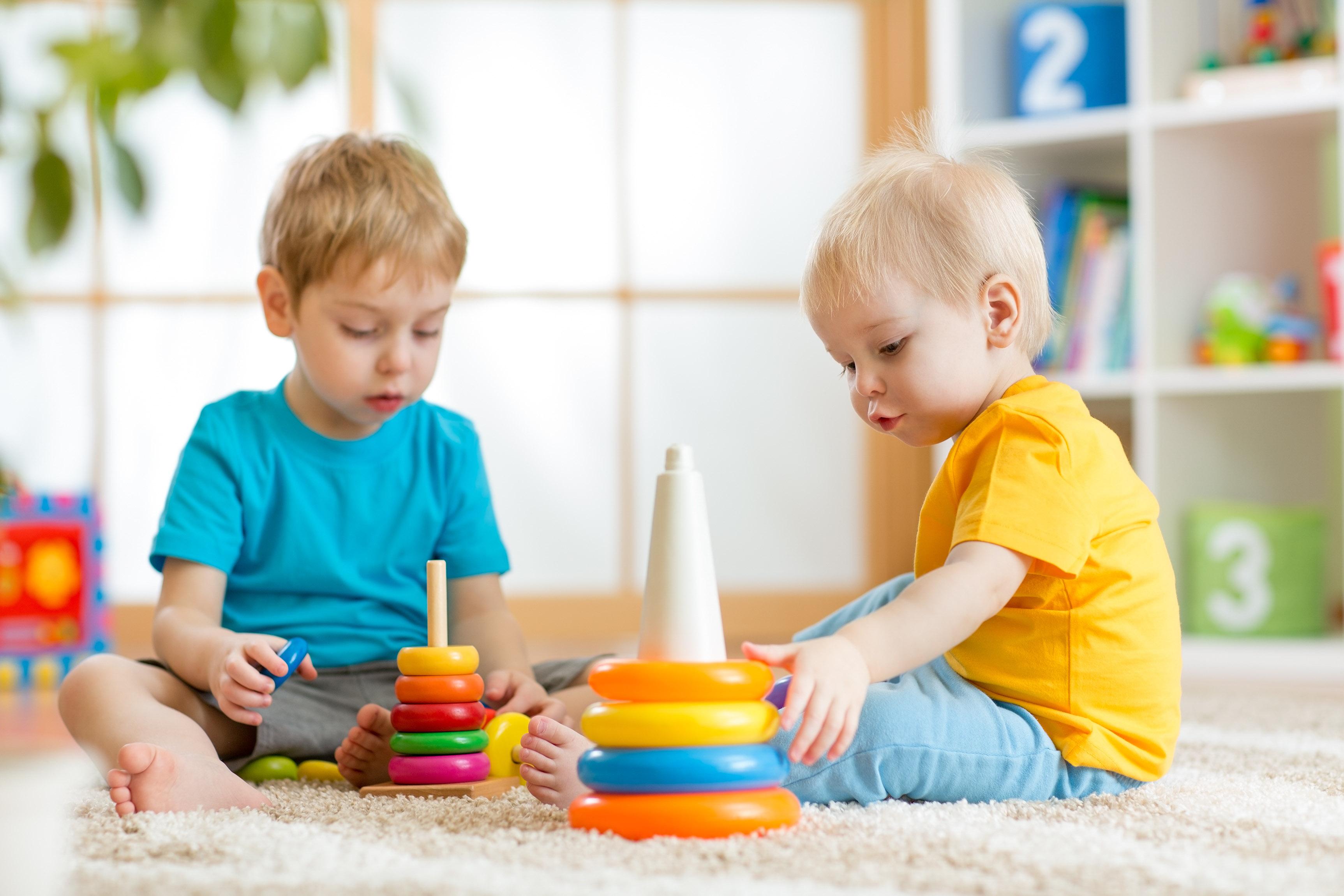 راهنمای خرید اسباب بازی برای کودکان سه تا پنج ساله